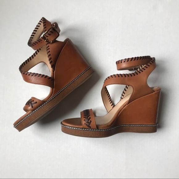a547f3b302ee 〰️VINCE CAMUTO Ivanta Brown Leather wedge sandals.  M 5b996c8d2e14783c203dfafc